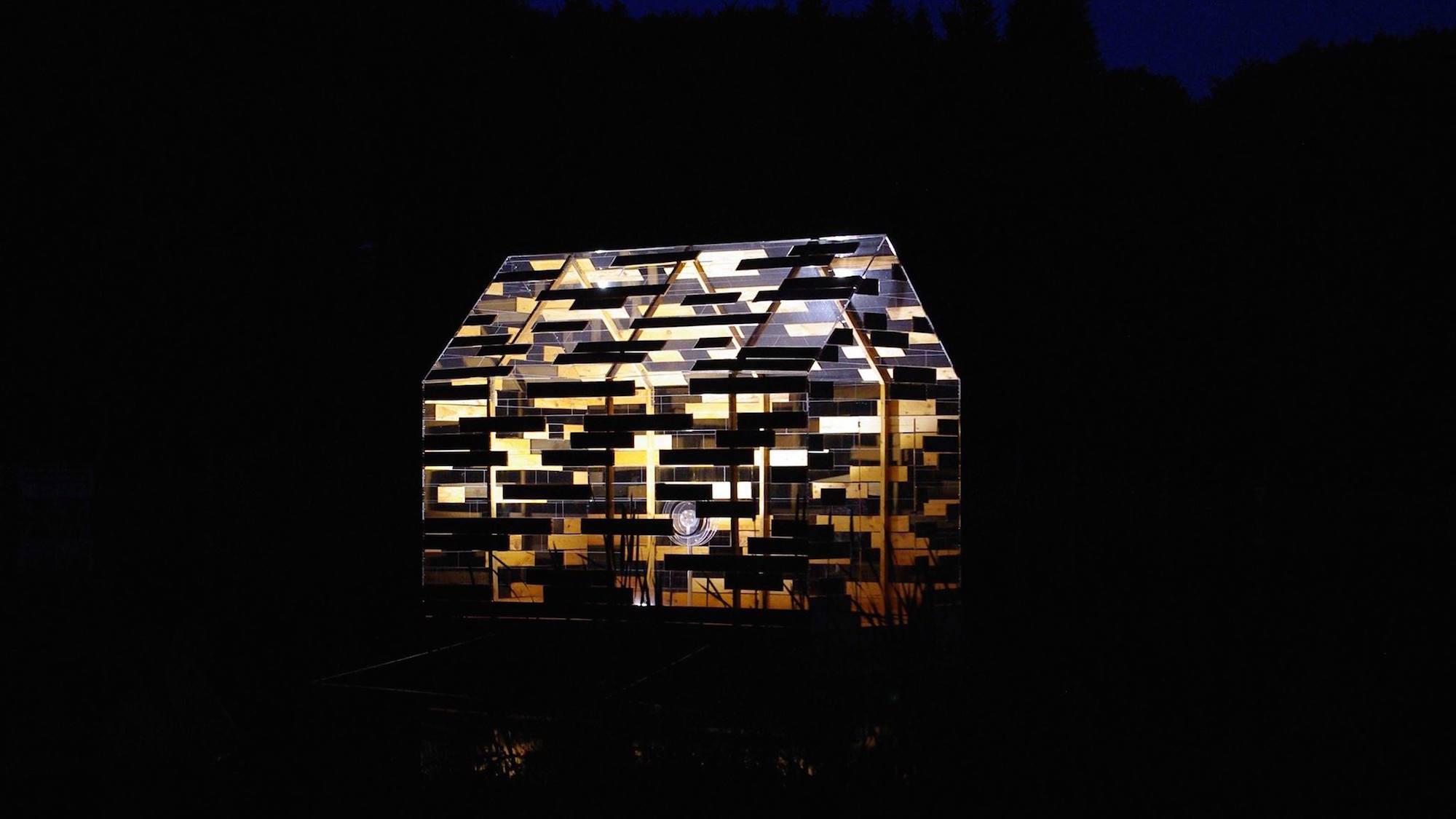 Walden Raft by night © Florent Albinet