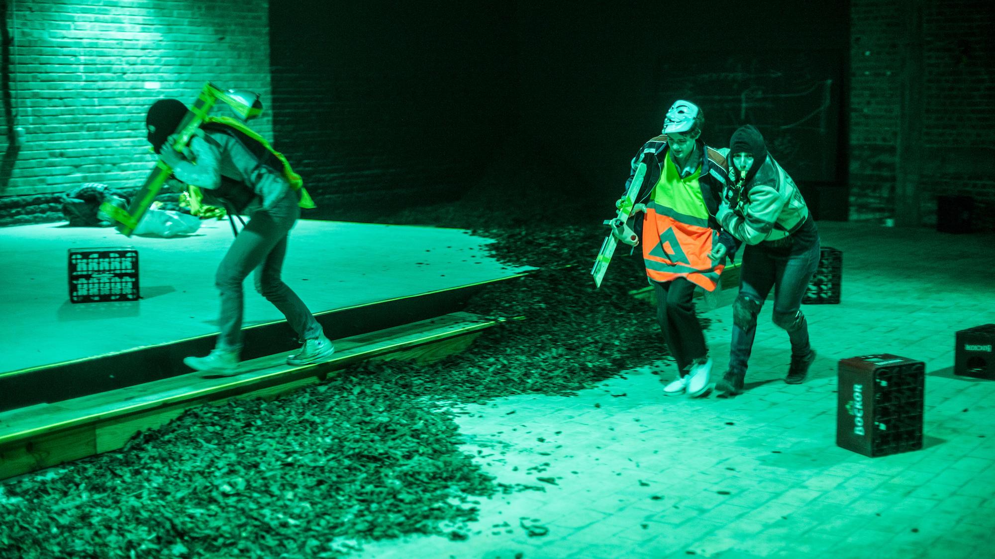 Nada Gambier - Monstrous Encounters of Clowns © Bart Grietens