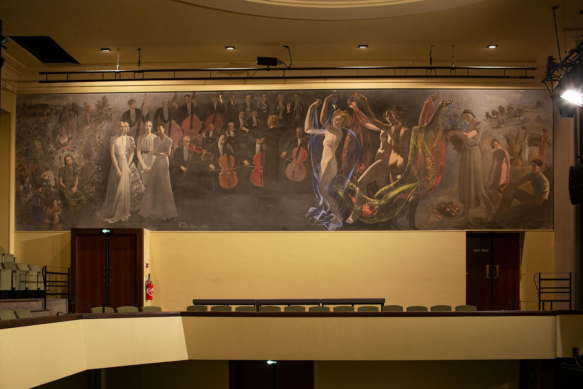 Fresque réalisée par J. Burkalter, toujours visible à l'heure actuelle.